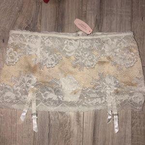 Victoria secret thong lace garter panty white tan
